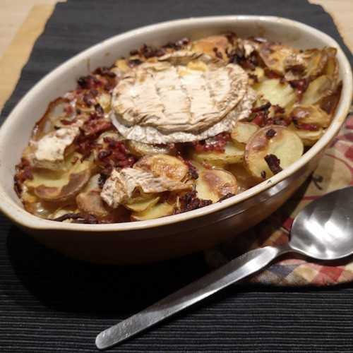 image d'un gratin de pomme de terre au camembert